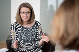 Andrea Rudisch-Pfurtscheller im Gespräch Herz Grundannahmen im Coaching